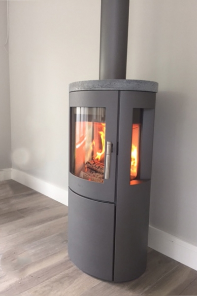 Heta Scan-Line 800 with side windows and soapstone top - grey