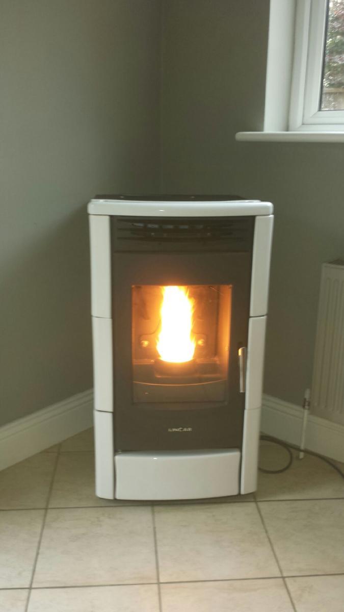 White Ceramic Milly pellet stove