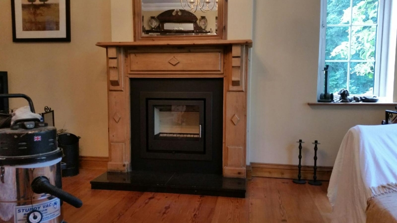 i600 with 4 sided frame in original fireplace