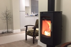 Heta 7D top flue & tinted glass hearth